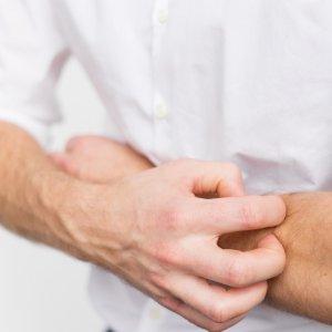 Самые эффективные мази от зуда и раздражения кожи